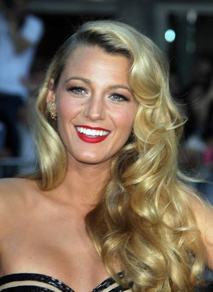 Blake-Lively-Savages-Premiere